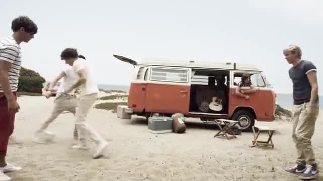 One Direction What Makes You Beautiful Watch For Free Or Download Video